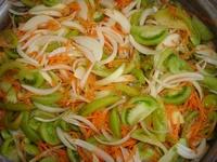 salat-iz-zelenyh-pomidorov